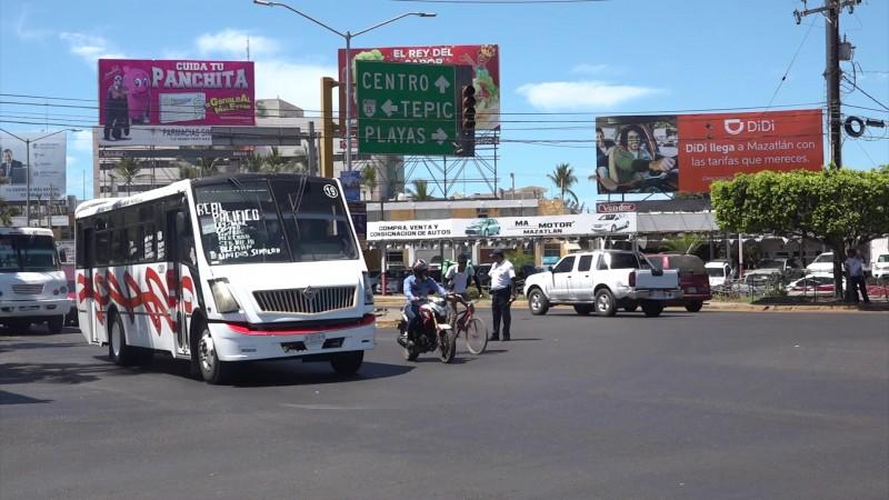 Se queda sin 'semáforos' la Insurgentes en Mazatlán