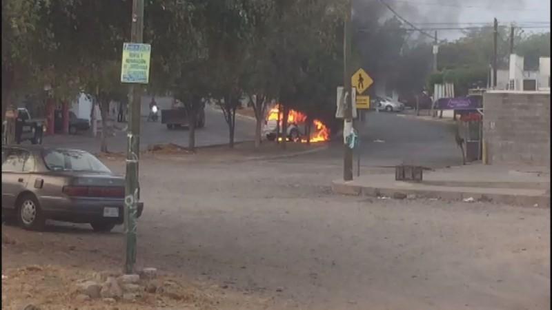 Mujer y su hija salvan la vida tras incendiarse la camioneta en la que viajaban