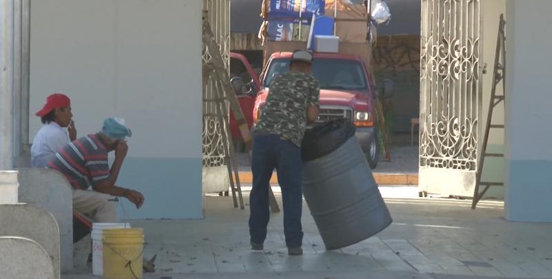 Refuerzan labores de limpieza en panteones municipales