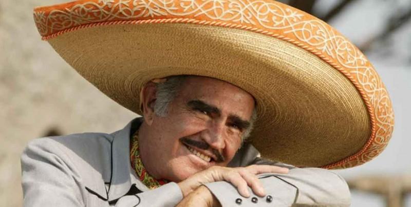 Vicente Fernandez rechaza trasplante, temía que fuera de un gay