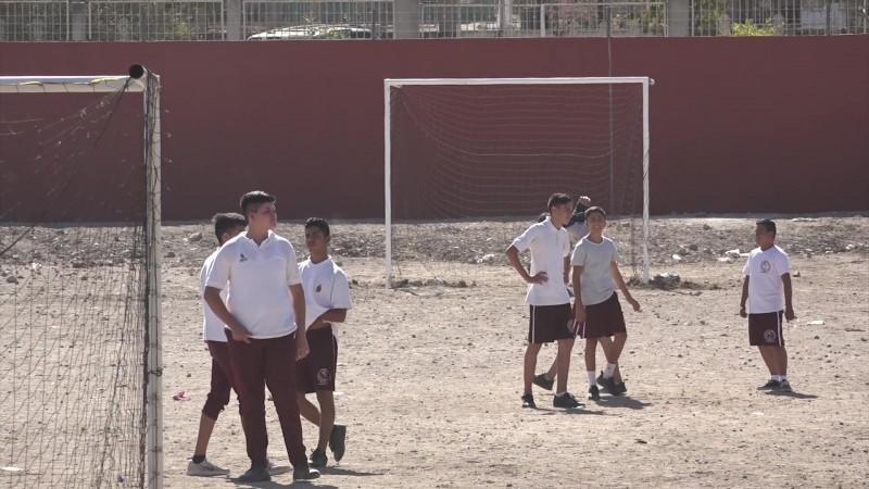 Llega Comité de Vigilancia Escolar a la Secundaria de El Castillo