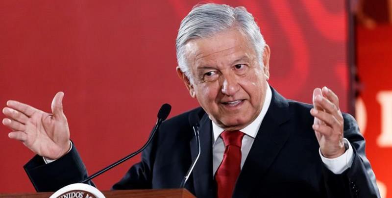 """López Obrador a adversarios: """"Te conozco bacalao, aunque vengas disfrazado"""""""