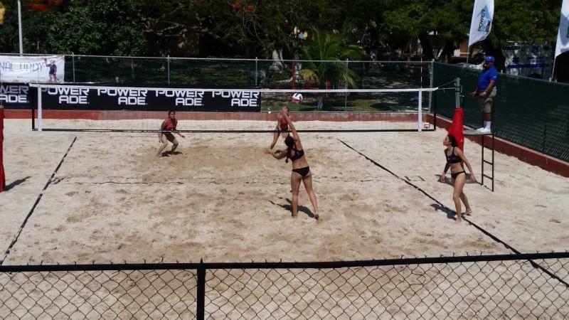 Águilas con el pie derecho en Voly de playa y Tenis de Mesa