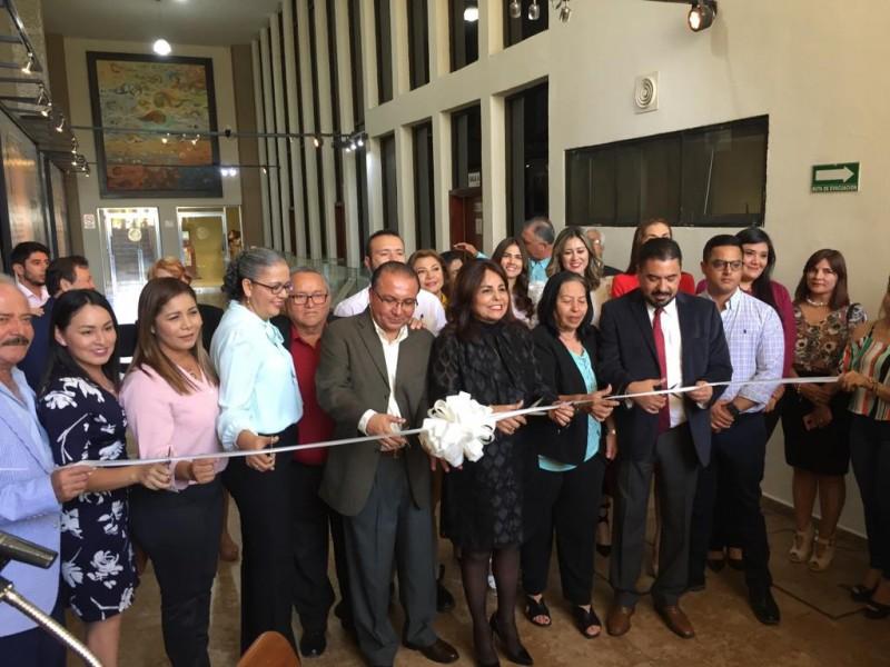 Inaugura congreso de Sinaloa galería en reconocimiento a luchas laborales