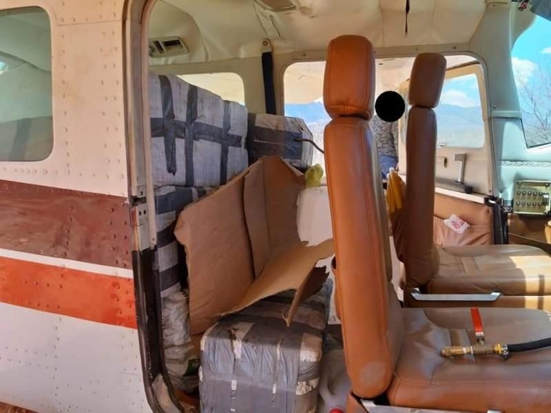 Militares aseguran aeronave con cocaína en Tamazula, Durango.