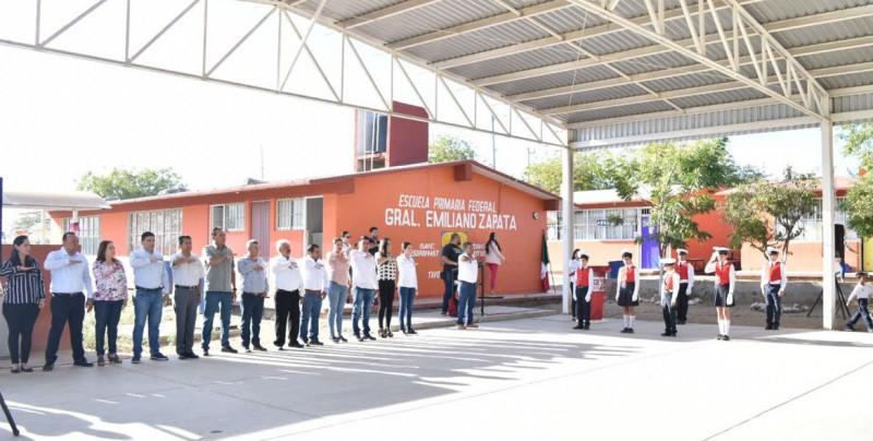 Alcalde de Elota promete obras en plantel educativo