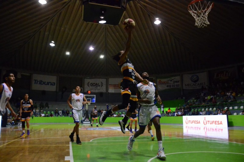 Caballeros recibe a Halcones en basquetbol CIBACOPA