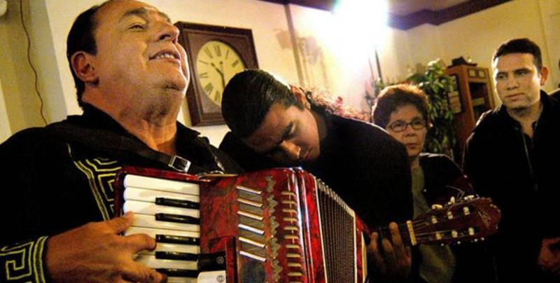 'Son tus perjúmenes mujer' canción nicaragüense que fue número 1 en España y América Latina