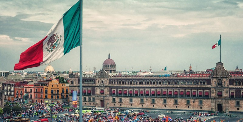Rey de Jordania regaló  camionetas a Presidencia de México