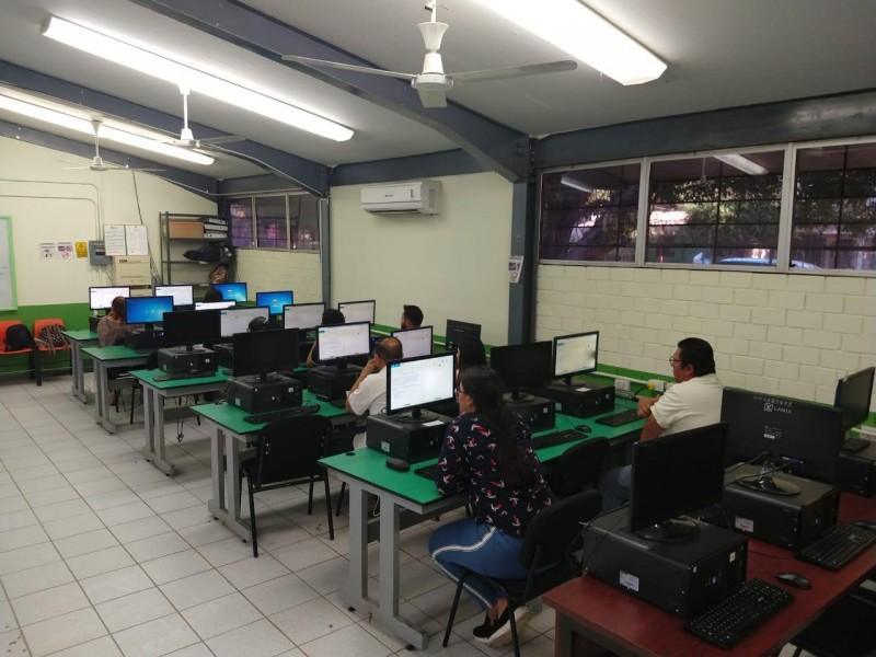 Se suspenden exámenes a docentes  para obtener plazas y ascensos