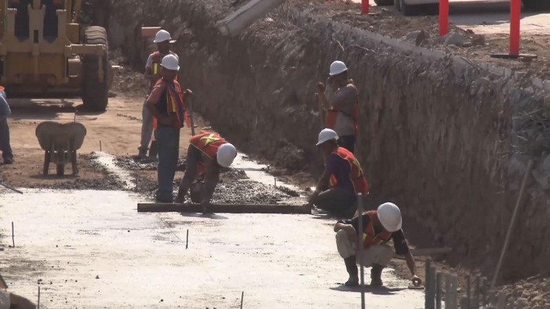 Responde Quirino Ordaz a constructores que el 94 por ciento de la obra pública la tiene la CMIC