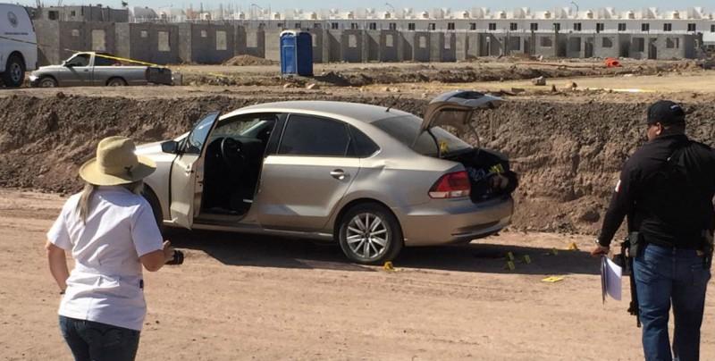 Encuentran dos personas asesinadas en cajuela de vehículo