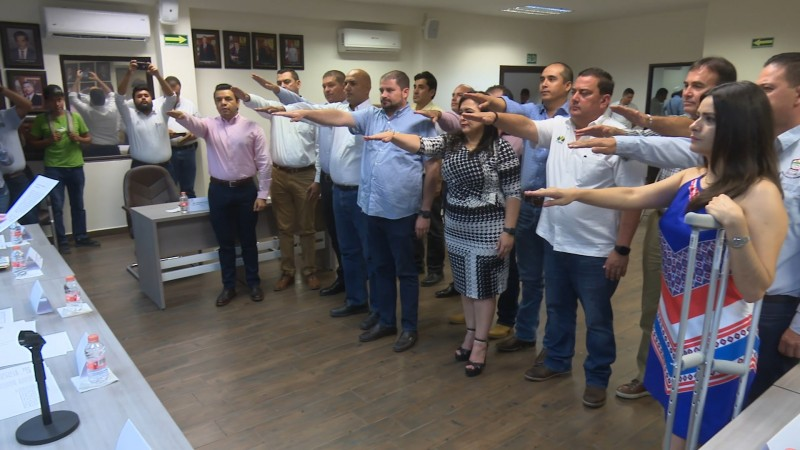 Rinden protesta integrantes de la junta municipal de catastro