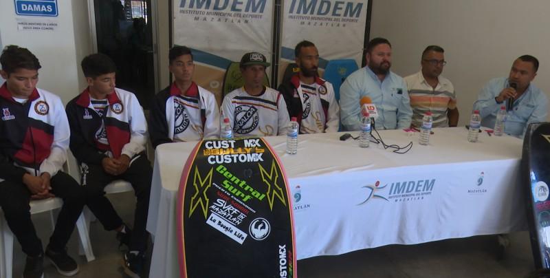 Presentan selección de Surf de Sinaloa para olimpiada nacional
