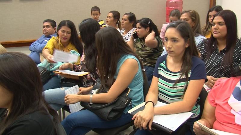 Entrega la SEPyC 123 plazas a maestros y maestras que estaban en lista de prelación