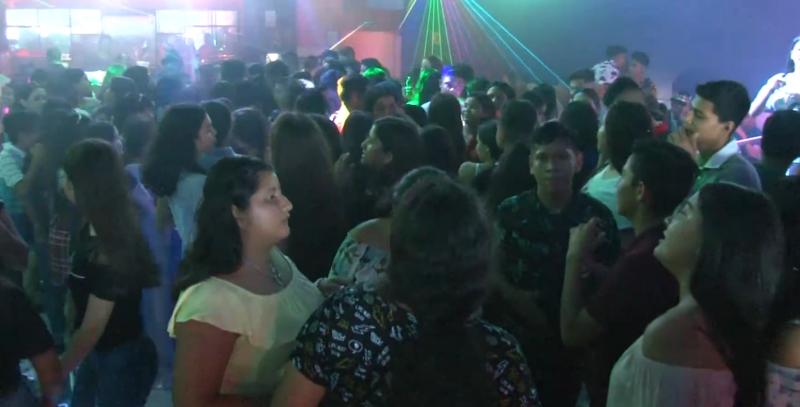 """Celebran alumnos """"Día del estudiante"""" en Mazatlán"""
