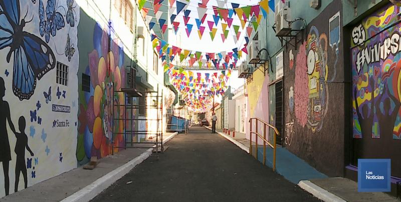 Colorido callejón de la Salud