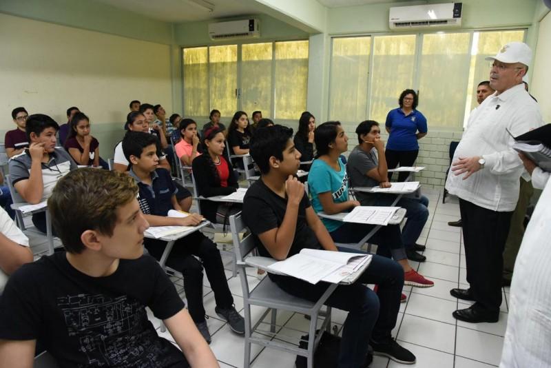 Más de 50 mil presentan examen de admisión a la UAS