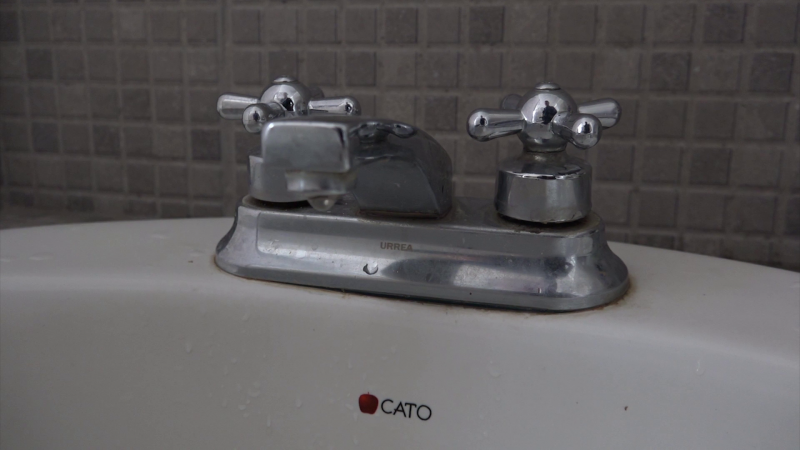 Vecinos reportan que los problemas de falta de agua continúan