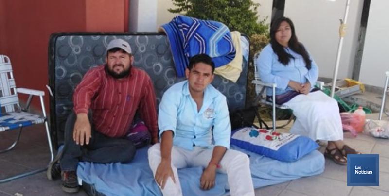 Samuel y Familia continuan en huelga de hambre
