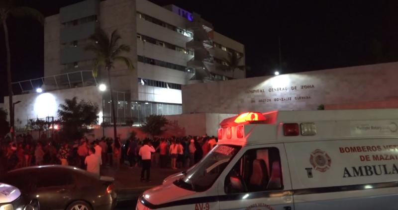 Hubo fallas en elementos de auxilio en incendio del IMSS: Bomberos