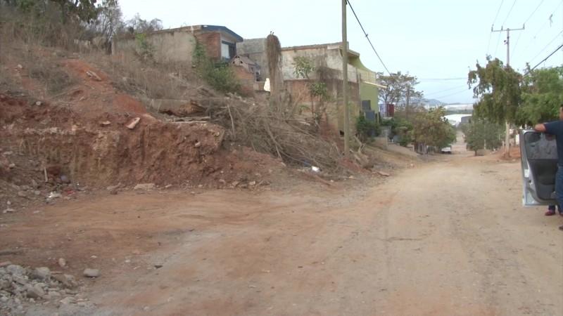 Alertarán a vecinos por deslaves en el Cerro Colorado de Mazatlán