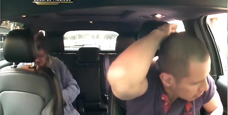 VIDEO: Pasajero enloquece y golpea a chofer de taxi por ir lento
