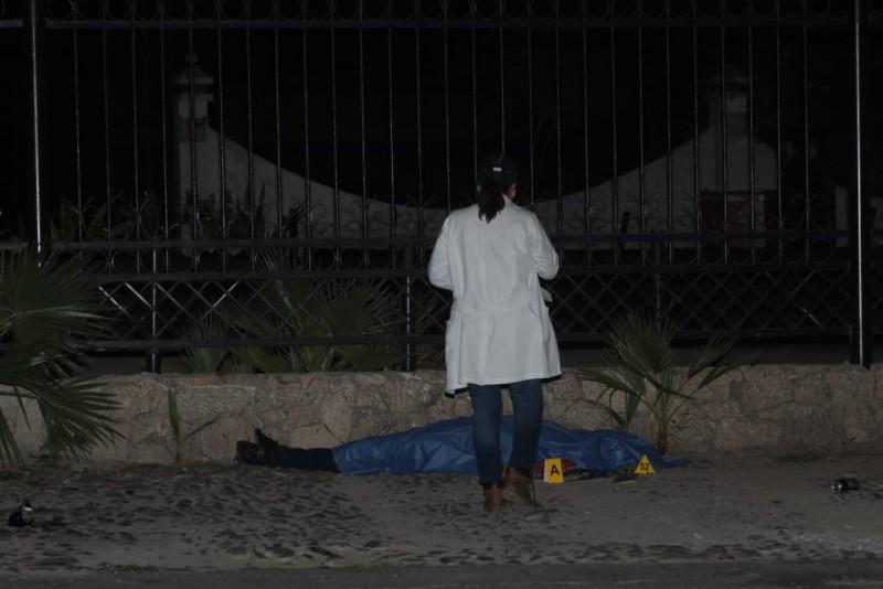 Asesinan a una persona afuera de antro del Tres Ríos