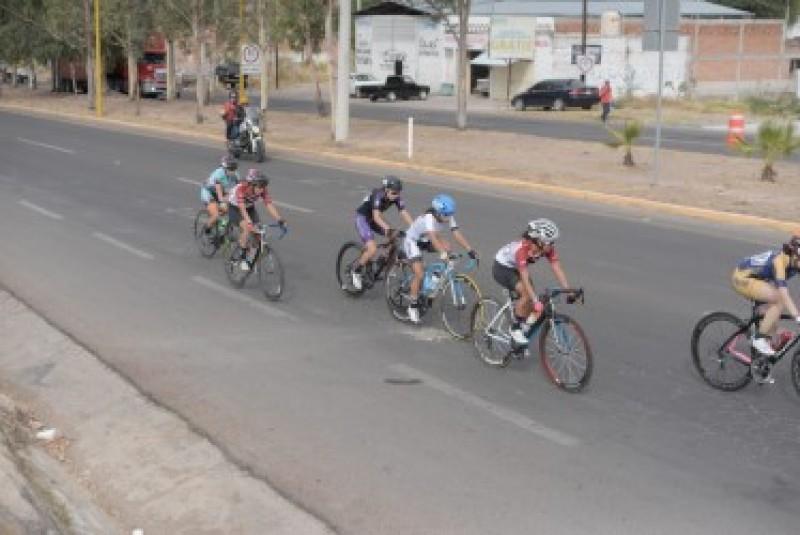 Ciclismo para Sinaloa cierra con plata por equipos en ruta femenil