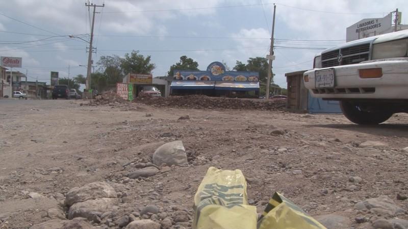 Piden vecinos de la colonia Pemex se cancele construcción en vialidad