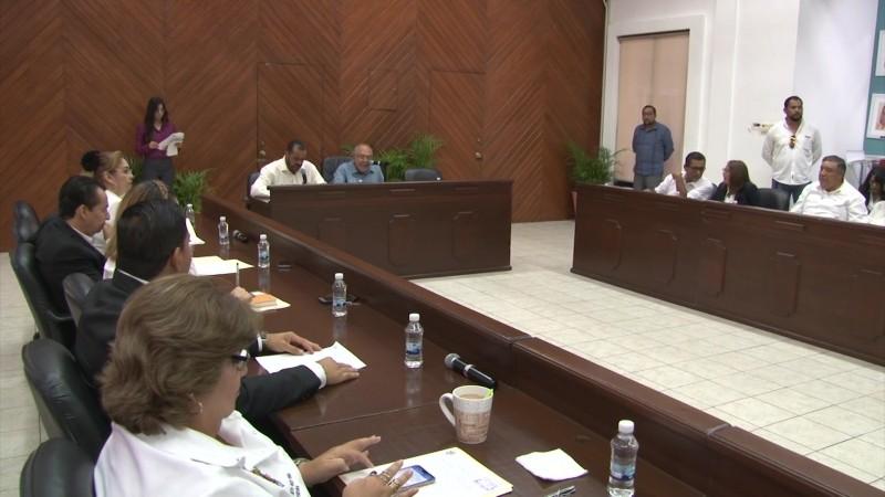 Realizan sesión de cabildo en ausencia de la Síndico Procuradora