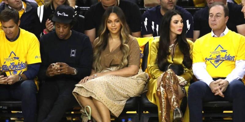 Beyoncé empuja a mujer por hablar con su esposo