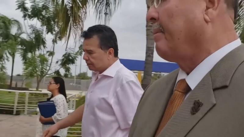 Jesús Vizcarra Calderón dice que el proyecto por la gubernatura ha quedado en el olvido