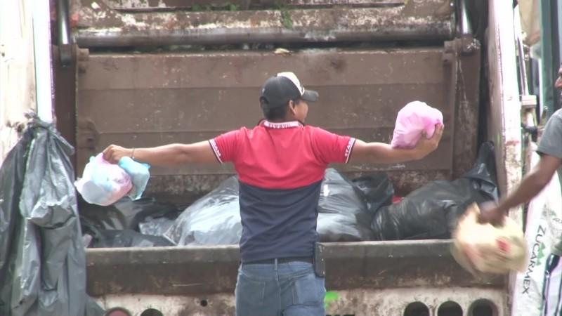 Obligarán a personal a usar guantes para recolectar basura en Mazatlán