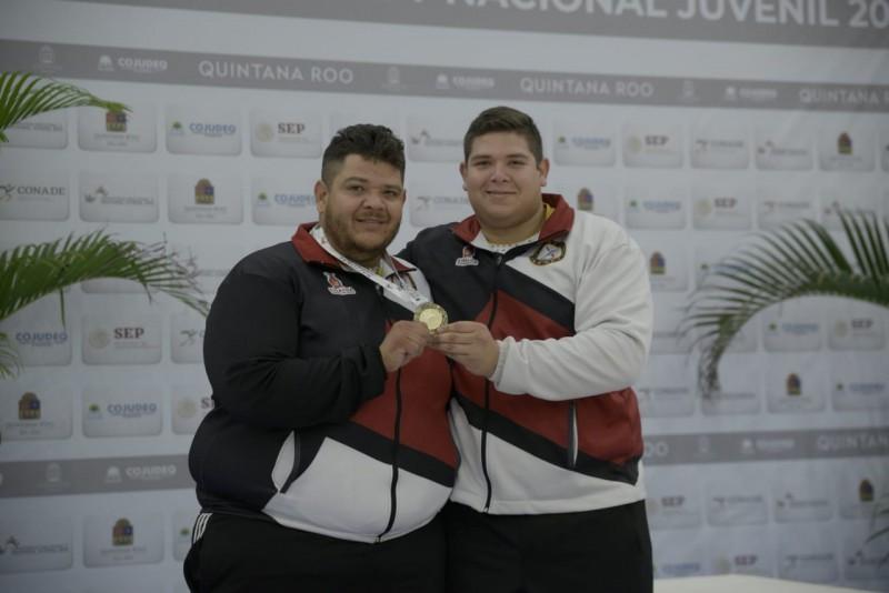 Sinaloa cierra luchas con medallas