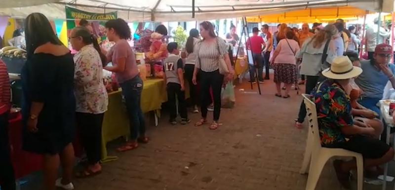 """Deliciosos productos dan sabor a """"La Feria de la Ciruela"""""""