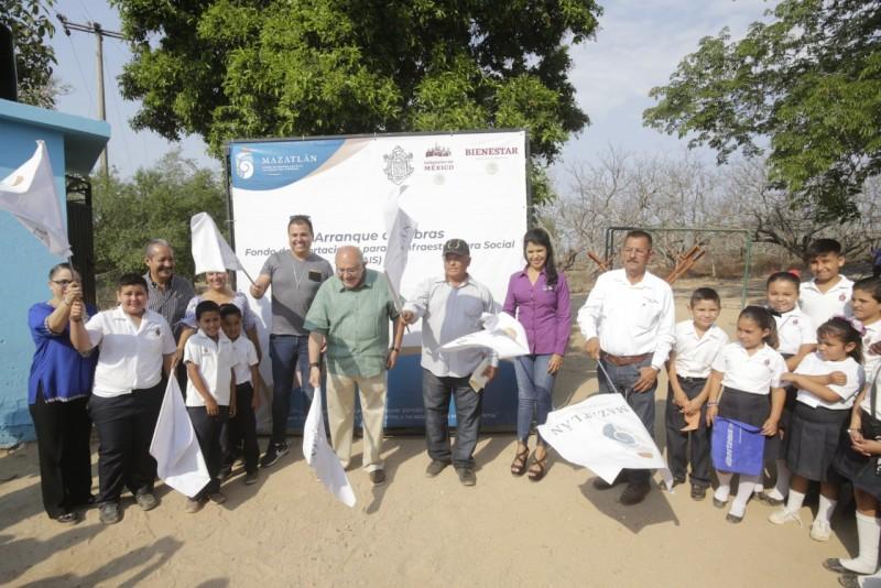 Destinan casi un millón 200 mil pesos a obras en escuelas de la zona rural