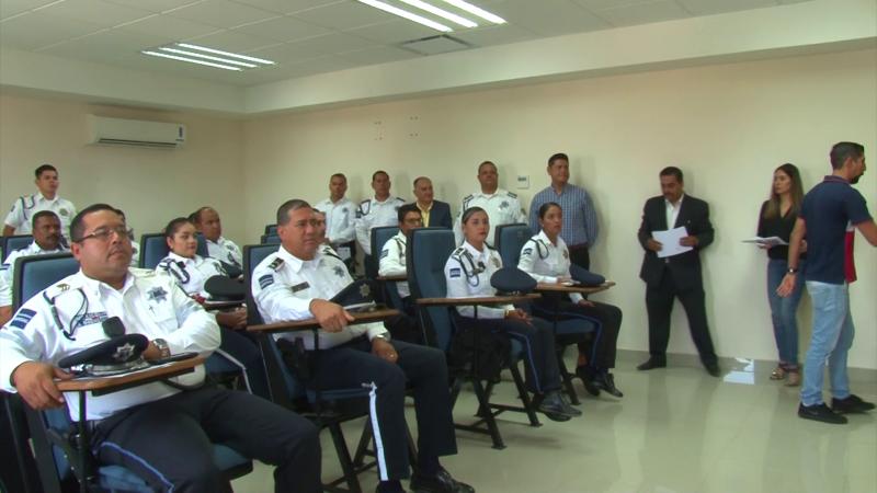 Buscan 'armar' a Tránsitos Municipales en Sinaloa