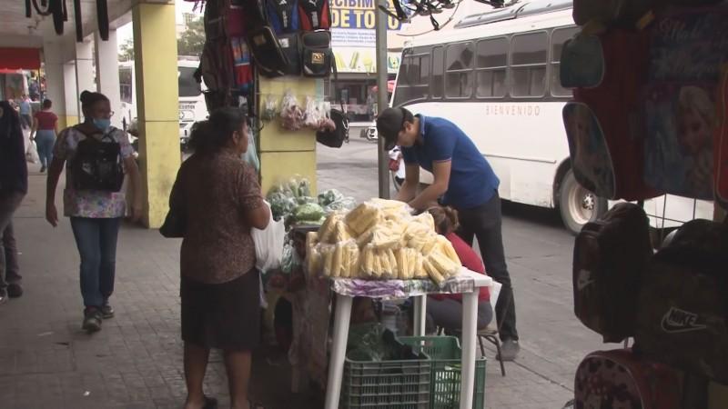 Amenaza alcalde de Culiacán con sacar a todos los ambulantes y vendedores en la vía pública