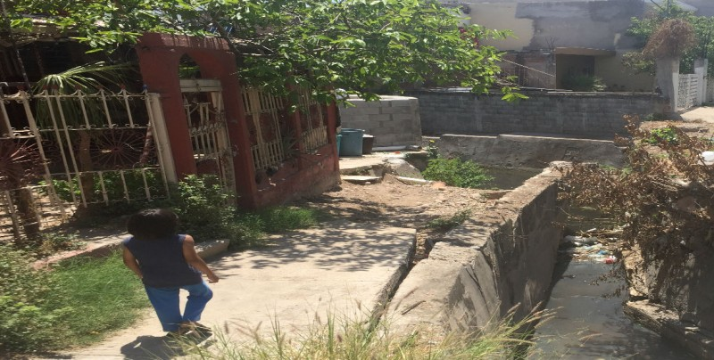Con miedo de inundarse en la colonia Guadalupe Victoria