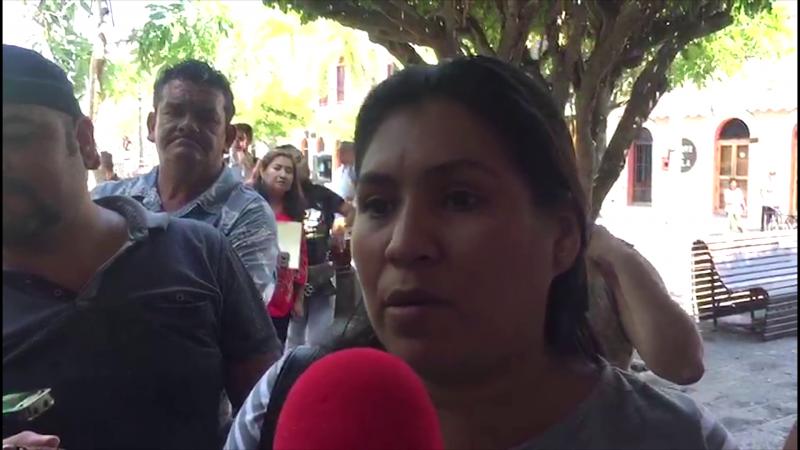 Desplazados piden a AMLO los apoye con viviendas