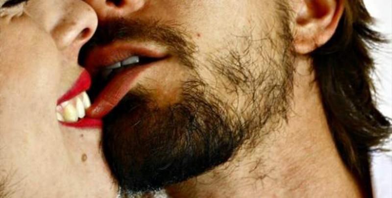 Mujer es juzgada por arrancarle la lengua de un mordisco a su novio tras romper con la relación