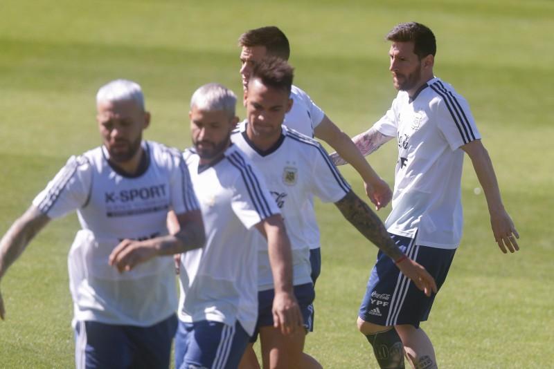 Argentina se juega la vida ante Paraguay mañana en la Copa América