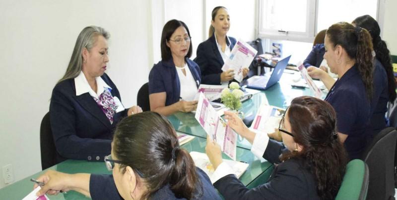 Trabajadoras Sociales del IMSS se capacitan en atención integral