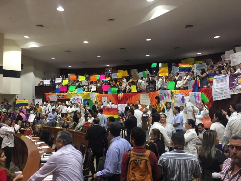 Rechazan por mayoría dictamen de matrimonio igualitario en Sinaloa