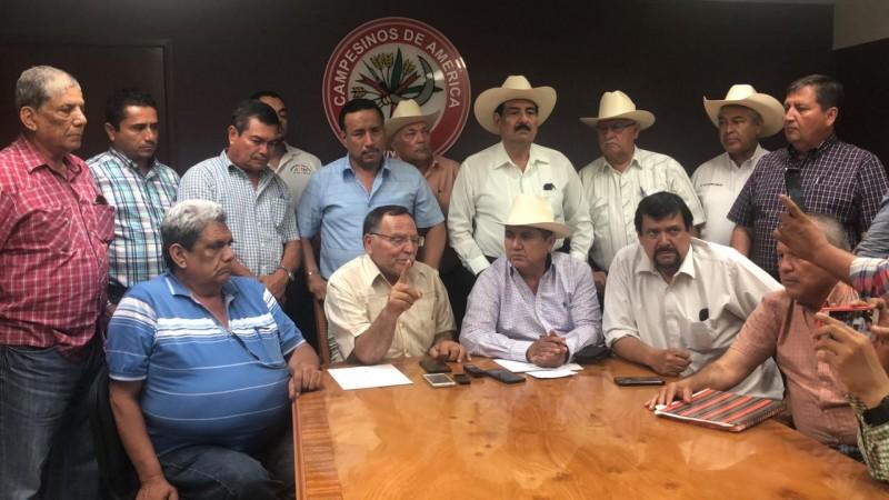 Productores agrícolas acuerdan tomar la caseta de cobro de Cuatro Caminos en Guasave