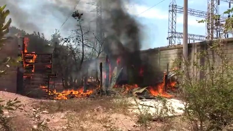 Incendio consume vivienda en invasión Ferrocarril