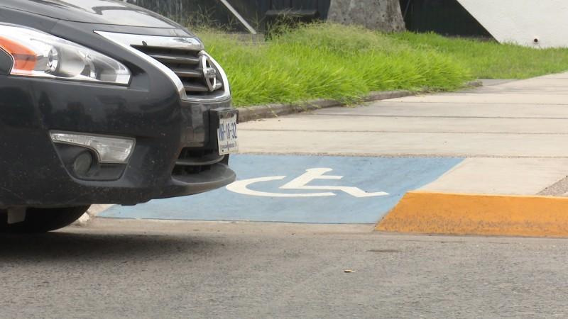 Tránsito protegerá con todo zonas de discapacitados