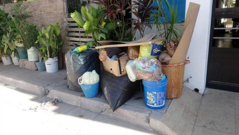 Sin pasar el carro recolector de basura en colonia 10 de mayo