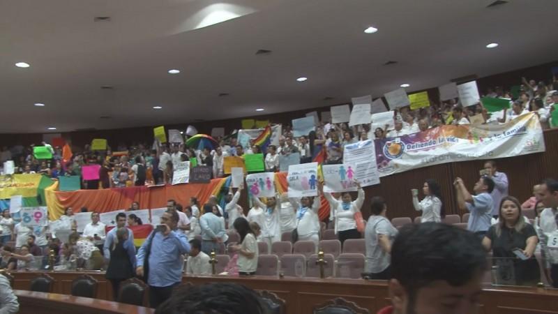 Hay elementos para expulsar a diputados de MORENA que votaron en contra de matrimonios igualitarios
